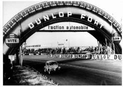1952 - La première passerelle en forme de pneu