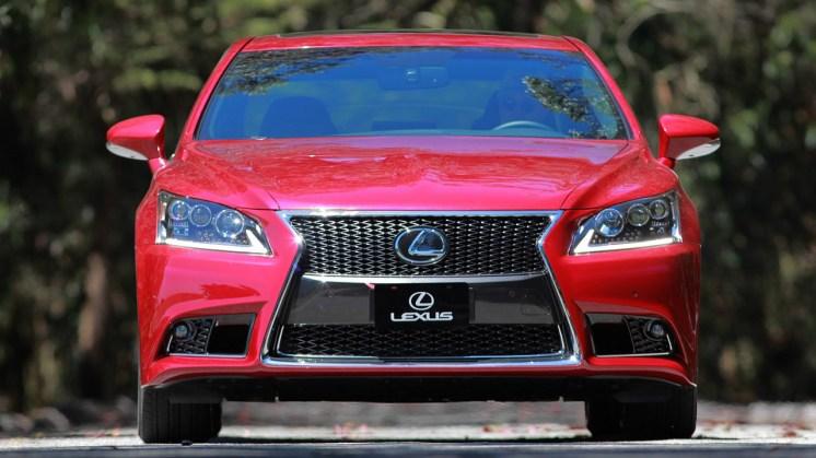 2013-lexus-ls-460-f-sport-20