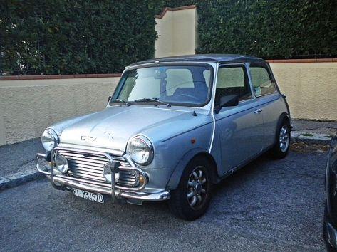800px-Mini_Cooper_in_La_Castellina