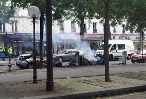 Autolib en feu à Paris dans le 11eme