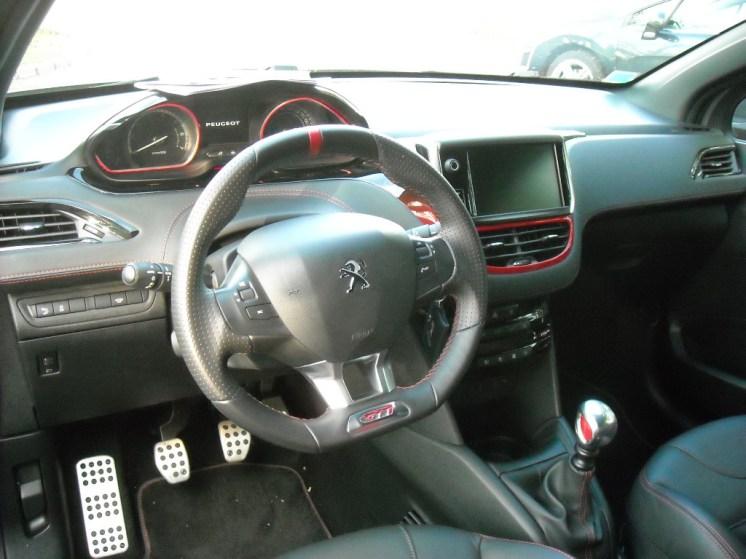 Peugeot 208 GTi (7)