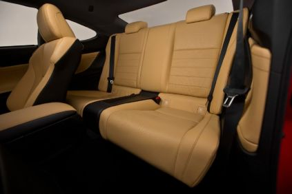 2015-Lexus-RC-back-seats