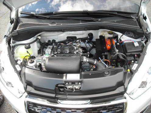 Capot moteur 208 HYbrid FE (2)