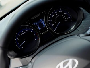 Hyundai-Veloster-R-Spec-15