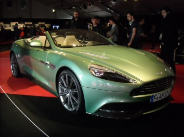 Aston Martin Vanquish Volante (2)