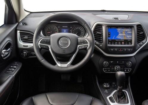 Jeep-Cherokee-2014-Euro-Spec_08
