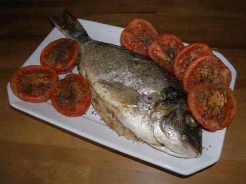 dorade-royale-au-four-a-la-meridionale-avec-option-tomates-persillées