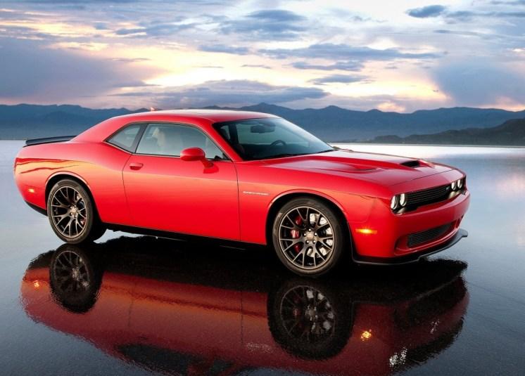 Dodge-Challenger_SRT_Hellcat_2015