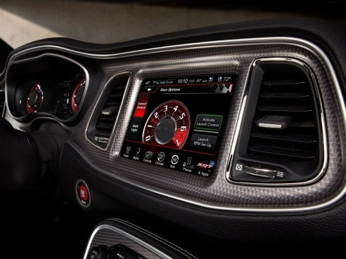 Dodge-Challenger_SRT_Hellcat_2015.58