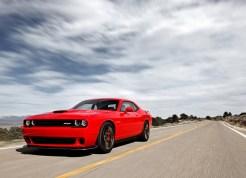 Dodge-Challenger_SRT_Hellcat_2015.7