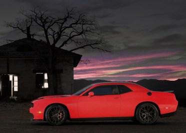Dodge-Challenger_SRT_Hellcat_2015.8