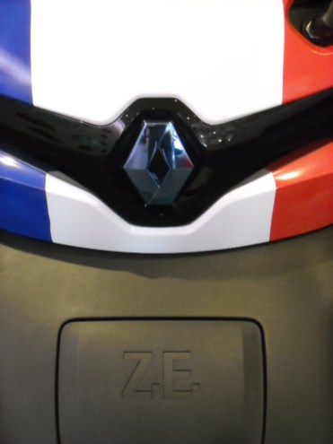 Renault Twizy strip France (1)