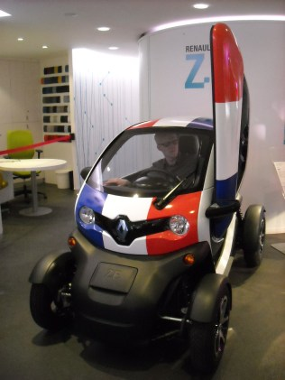 Renault Twizy strip France (2)