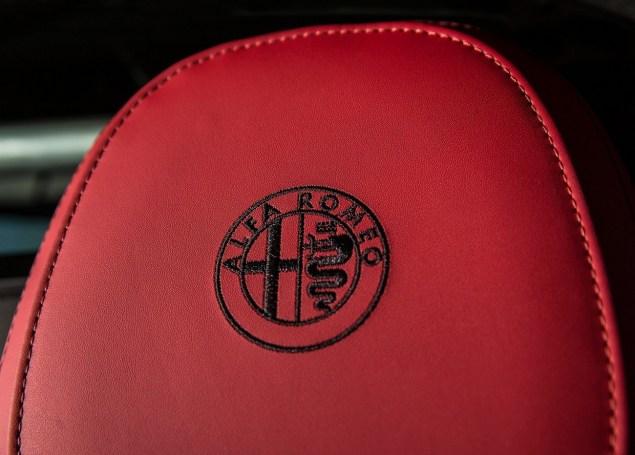 Alfa_Romeo-4C_Spec USA.12