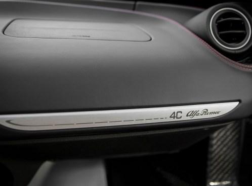 Alfa_Romeo-4C_Spec USA.13