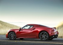 Alfa_Romeo-4C_Spec USA.3