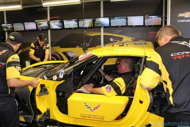 stands-corvette-racing-24HLM-34