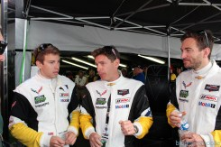 stands-corvette-racing-24HLM-38