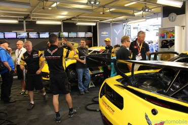stands-corvette-racing-24HLM-57