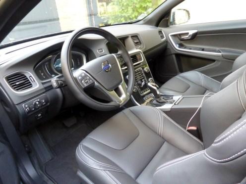 Volvo V60 D6 AWD Plug-in Hybrid 05