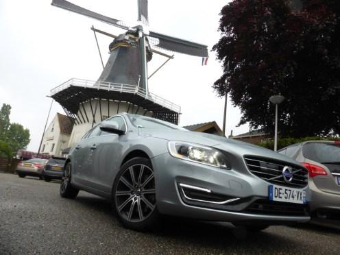 Volvo V60 D6 AWD Plug-in Hybrid 15