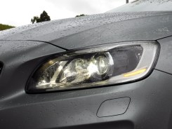 Volvo V60 D6 AWD Plug-in Hybrid 22