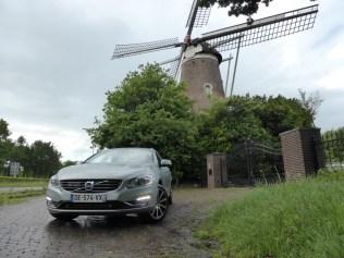 Volvo V60 D6 AWD Plug-in Hybrid 36