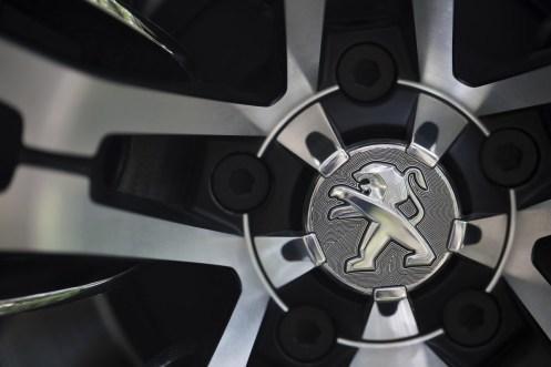 Peugeot-Exalt-2_08