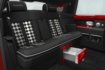 S Hung achète 30 Rolls Royce Phantom d'un coup.5