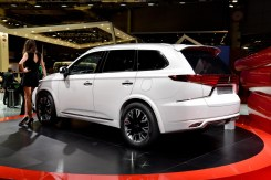 Mitsubishi Outlander PHEV Concept-S.2