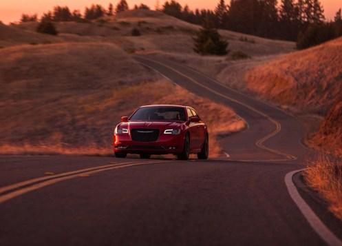 Chrysler-300C-2015-19