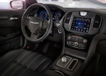 Chrysler-300C-2015-27