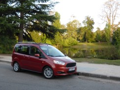 Ford Tourneo Courier 23