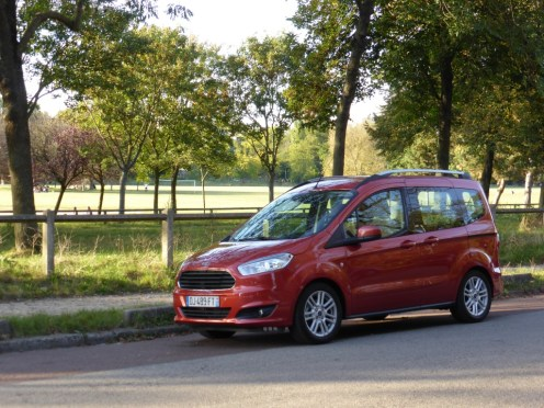 Ford Tourneo Courier 25