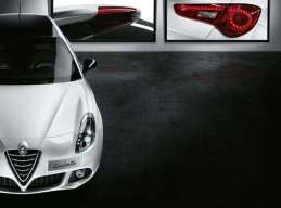 S7-Salon-de-Geneve-2015-Alfa-Romeo-Giulietta-Collezione-en-noir-et-blanc-346280 (1)