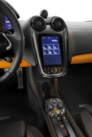 980763_09_McLaren 570S_NYlaunch