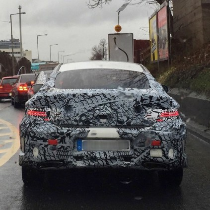 2016-Mercedes-C-Class-Coupe-rear-spied