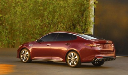 S7-Salon-de-New-York-la-nouvelle-Kia-Optima-totalement-devoilee-349968
