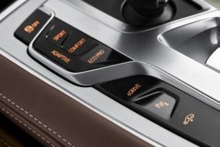 BMW 740e - 13