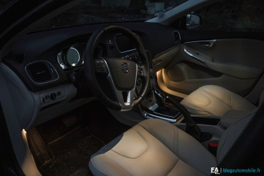 Essai Volvo V40 Cross Country Interieur
