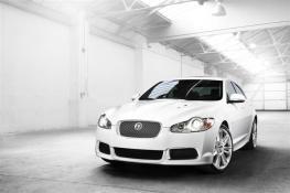 2010-Jaguar_XF_Sedan_Image-009-800