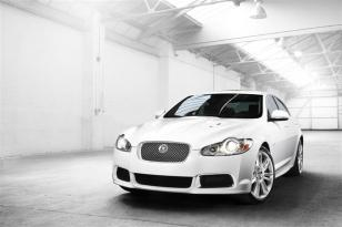 2010-Jaguar_XF_Sedan_Image-009-800
