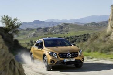Mercedes-Benz GLA 2017 - 16