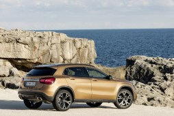 Mercedes-Benz GLA 2017 - 25
