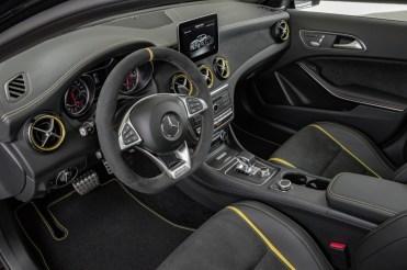 Mercedes-Benz GLA45 4Matic Yellow Night Edition 2017 - 11