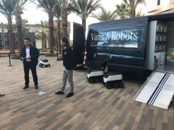MercedesBenz-Vans-and-Starship-robots11