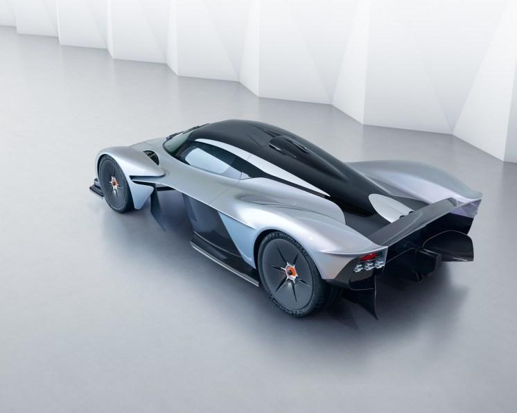 Aston Martin Valkyrie - 10