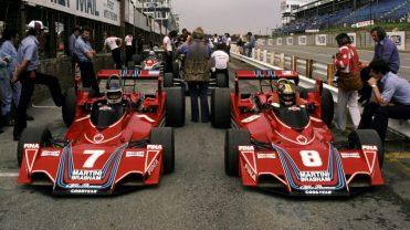 Reutremann et Pace au volant de leur Brabham-Alfa Romeo en Afrique du Sud (Crédits : Sutton Motorsport Images)