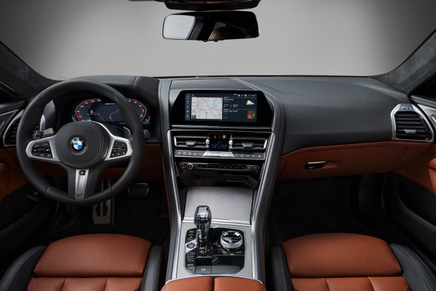 BMWSerie8P90306659_highRes_the-all-new-bmw-8-se