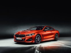 BMWSerie8P90307459_highRes_the-all-new-bmw-8-se